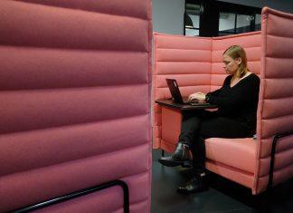 El número de mujeres formándose en negocios se ha duplicado en el último año