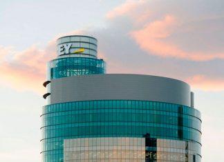 EY: la marca que tiene que aparecer en el currículum