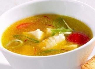 Caldo de pescado con verduras