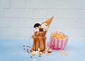 ¿Un helado cubierto de Cheetos?