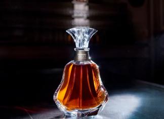 Louis Vuitton diseña un baúl de 280.000€ para llevar a su Hennessy Paradis Imperial